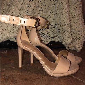 Size 5 tan heels